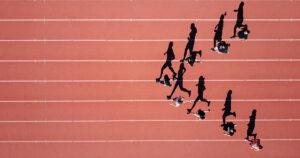 Kontakt - trkači na atletskoj stazi